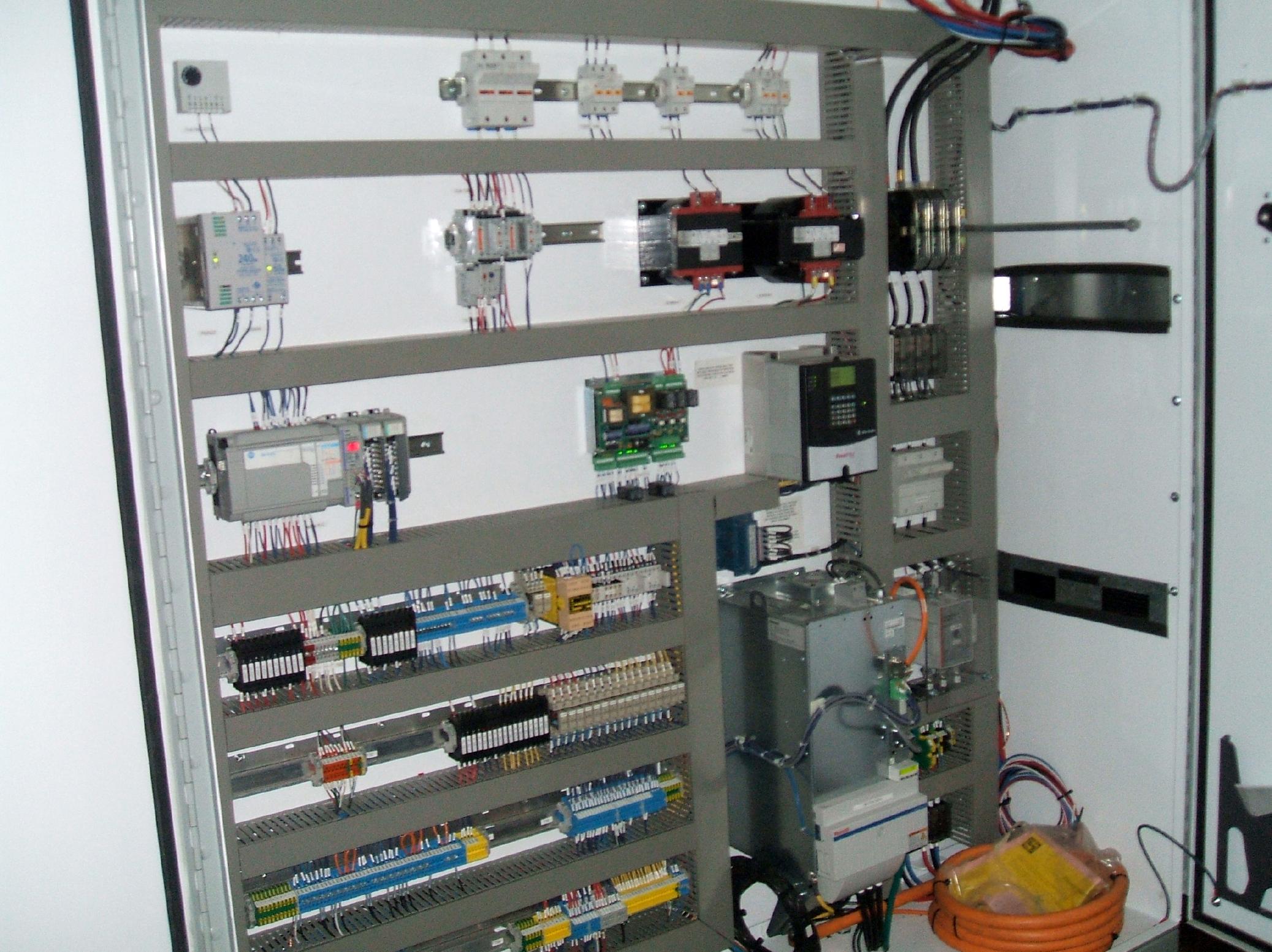 Flying Cut-off Servo Drive Control Cabinet DSCF2417
